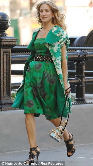 Carrie works the floral trend