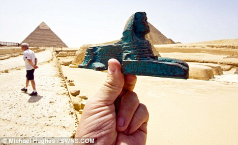 ouvenir model Great Sphinx of Giza,