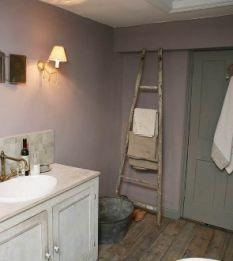 Soaking in style: Twig's bathroom