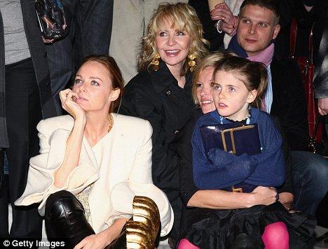 Stella McCartney, Lulu and Kate Moss watch Macca