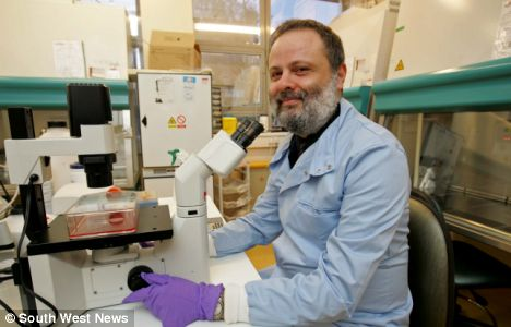 Pioneering stem cell Professor Anthony Hollande