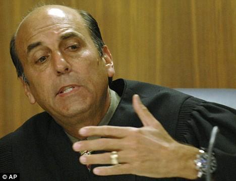 Judge Larry Seidlin