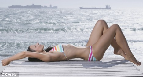 Tanned skin can make women appear up to 7lbs lighter