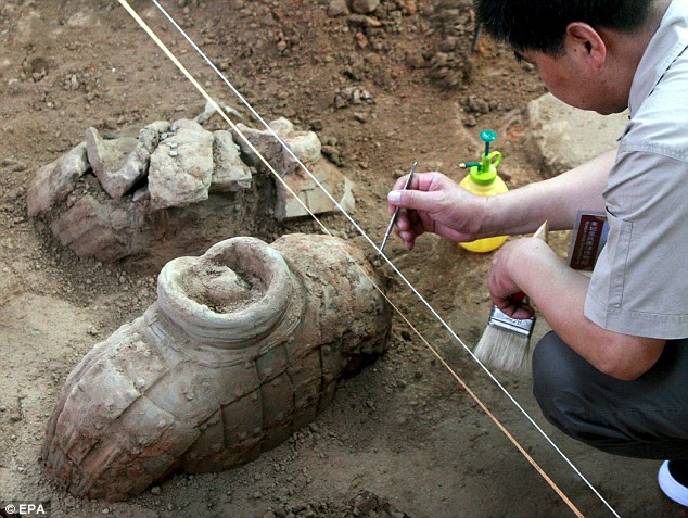 Terracotta army excavation