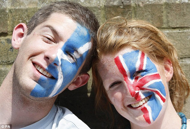 Harry Lynch and his girlfriend Amy Hamilton from Southampton had their faces painted to show their support for Andy Murray