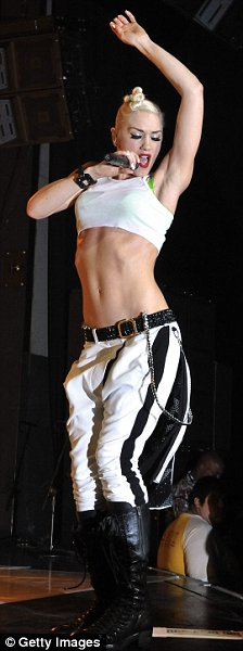 Singer Gwen Stefani of the rock band No Doubt performs at the Gibson Amphitheatre on July 22, 2009 in Universal City