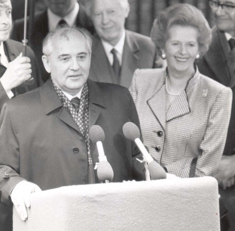 Mikhail Gorbachev with Margaret Thatcher in 1989