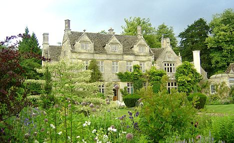 An exterior shot of Barnsley House, Gloucestershire