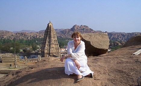 Viv takes in the ruins of the 14th Century city of Hampi...