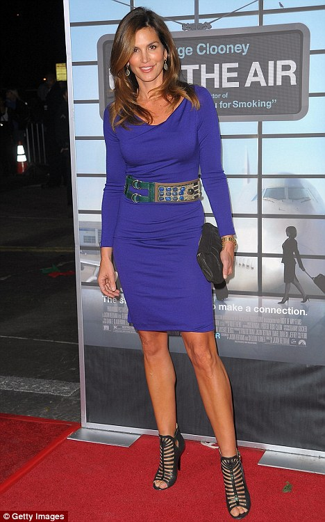 """Cindy Crawford arrives at the premiere of Paramount Pictures' """"Up In The Air"""