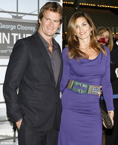 """Cindy Crawford and husband Rande Gerber at the premiere of the film """"Up In The Air"""""""