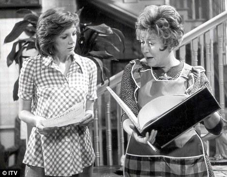Cilla Black's Comedy Six 'Sea View' Cilla Black (Thelma) landlady Mrs. Pomfret (Maggie Jones)