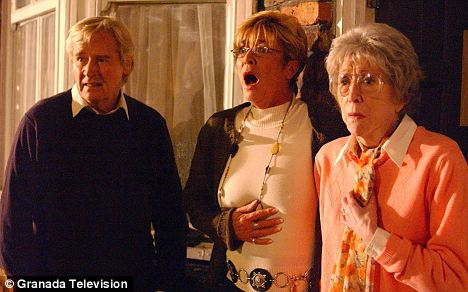 Maggie Jones and on-screen family Anne Kirkbride and William Roche