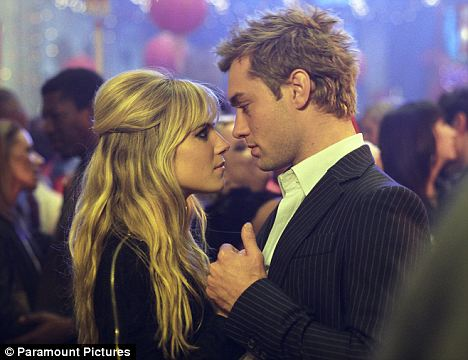 Jude Law and Sienna Miller in film, Alfie (2004)
