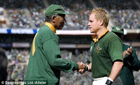 Morgan Freeman as Mandela and Matt Damon as Francois Pienaar