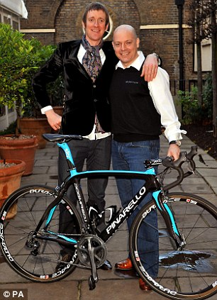 Bradley Wiggins (left) with team principal Dave Brailsford