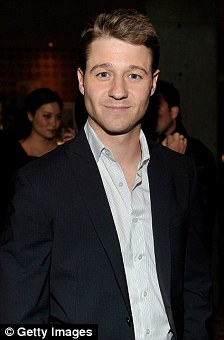 Ben McKenzie attends DJ Night hosted by Vanity Fair and Hudson Jeans