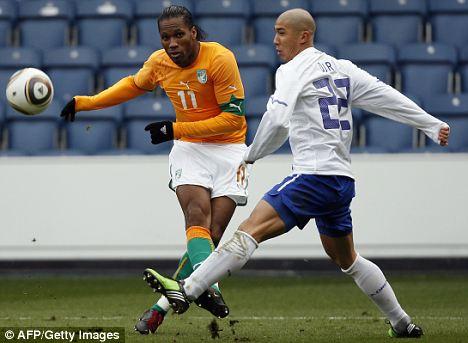 Ivory Coast's Didier Drogba (left)