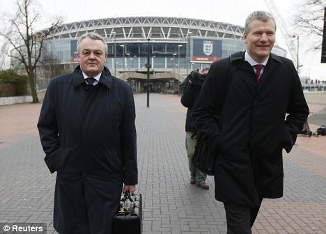Bolton chairman Phil Gartside (left) and Manchester United chief executive David Gill