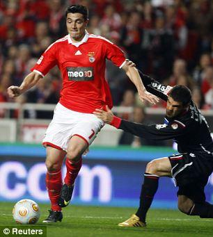 Benfica forward Oscar Cardozo