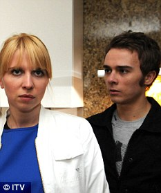 Anka agrees to accept £4,000 in return for telling the police that she saw Joe throw Gail off the boat