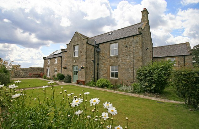 An exterior shot of Carraw B&B in Northumberland
