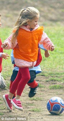 Jennifer Garner and Ben Affleck take daughter Violet to soccer practice in Brentwood