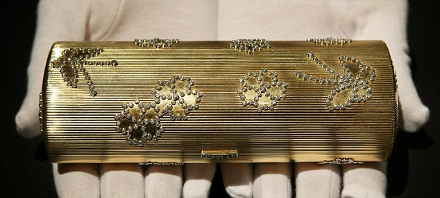 A Cartier gold and diamond necessaire du soir engraved 'Wallis from Edward 1947' and  estimated at £50,000 - £70,000