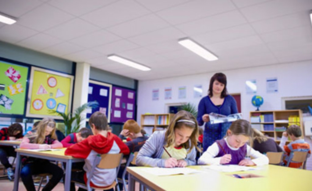 Innovative Classroom Lighting : Blue lighting trialled in british school to wake up drowsy