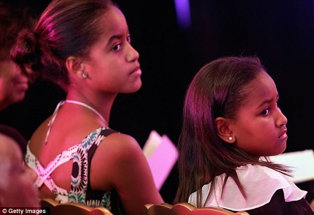 Both girls sat through the first White House Dance Series with their mother on September 7, 2010, despite it being back-to-school time