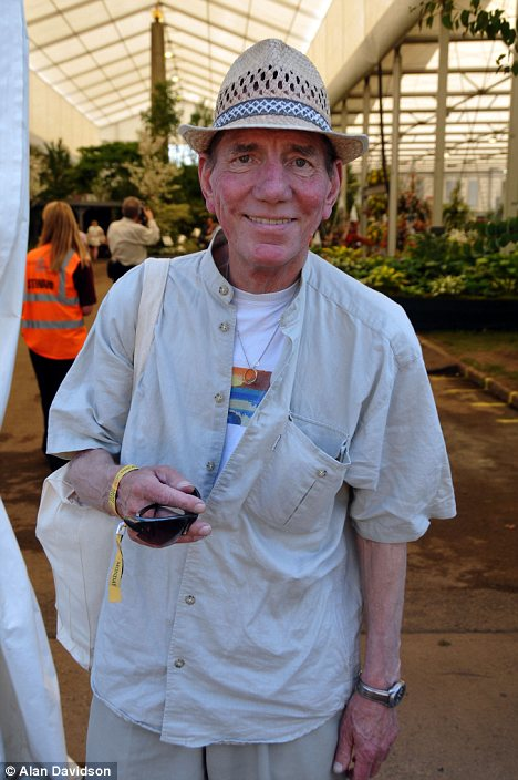 Pete Postlethwaite at The Chelsea Flower Show last year, has died following a lengthy battle with cancer