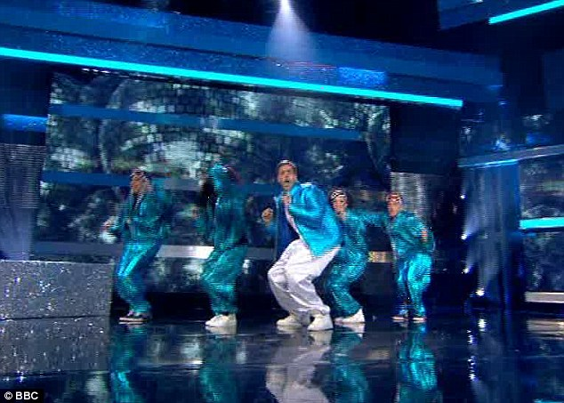 Big Willy style: Iain Lee was dancing to Getting Jiggy With It  by Will Smith - and even tried to make the outfits in the original video