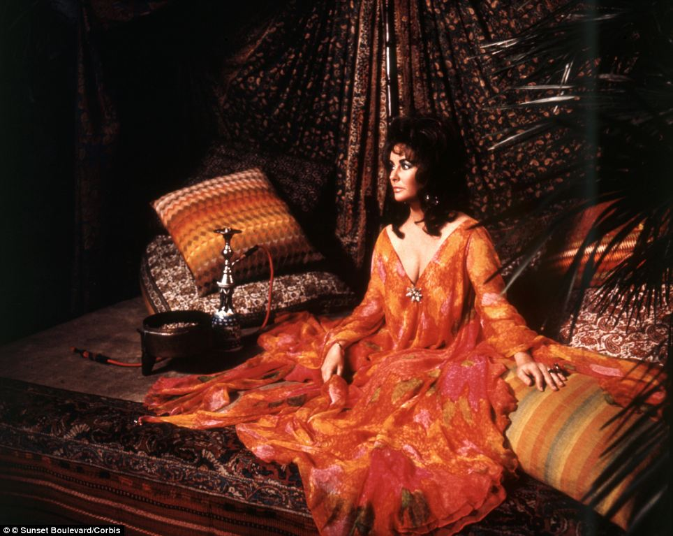 Decadent: Elizabeth Taylor stars as the amoral wife Zee Blakeley in Zee and Co (1972)