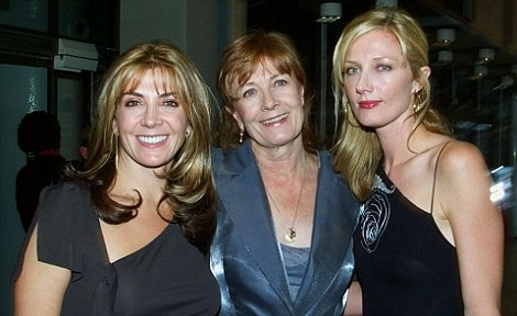 Vanessa with her actress daughters Natasha, who died in a skiing accident in March 2009, and Joely Richardson