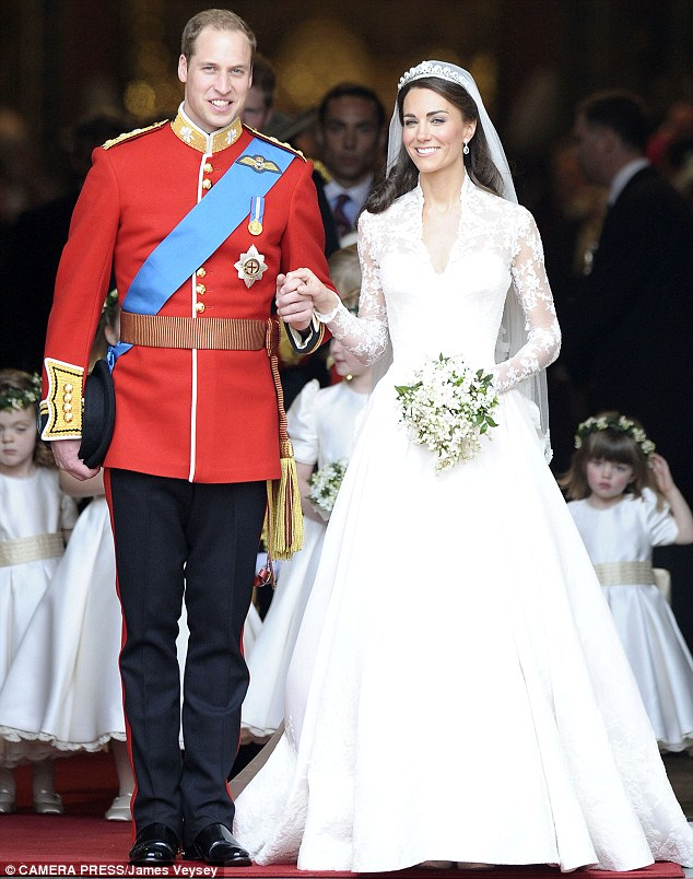 Almost 30 years after Diana appeared on the steps of St Paul's Cathedral with Prince Charles, her son Prince William appeared outside Westminster Abbey with Kate Middleton in her stunning dress