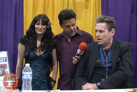 The actor appeared at the Anaheim World Wizard Comic Con on April 29