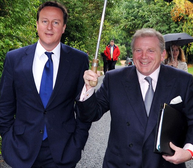 Close: David Cameron and Christopher Shale at a constituency event
