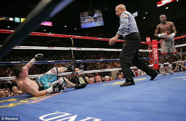 KO'd to lose his 0: Ricky Hatton suffers his first defeat of his career when he is knocked out by Floyd Mayweather Jnr