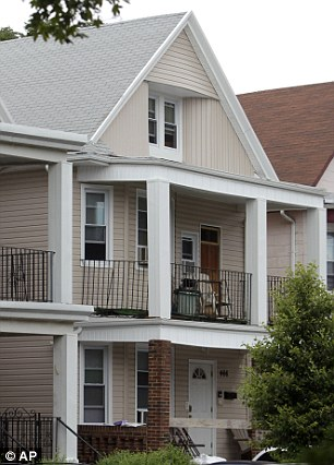 Levi Aron's house