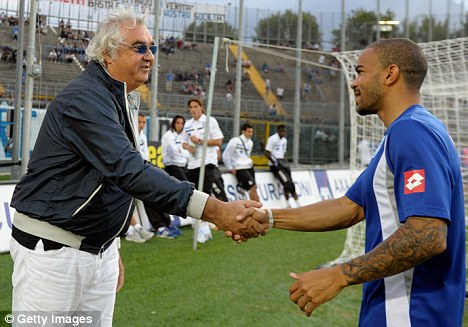 Hands on or off? Flavio Briatore and summer signing Kieron Dyer