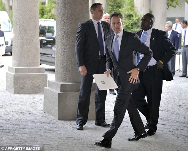 Timothy Geithner arrived at the Eurogroup meeting during Informal Economic and Financial Affairs Council (ECOFIN) in Wroclaw Poland today and encouraged the U.S. and Eurozone to work together