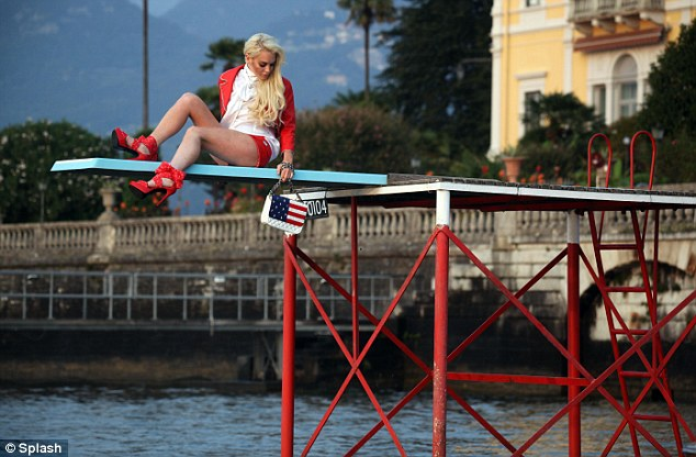 Careful, blondie: Lilo definitely doesn't want to fall into this Italian lake