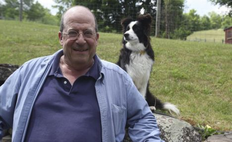 Writer: Jon Katz penned the heart-warming story of a soldier and his trusty dog