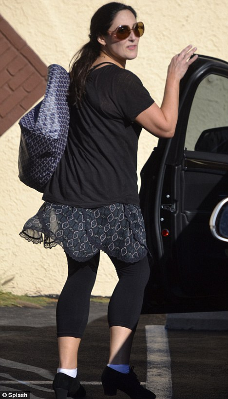 Rear view: Ricki looked like a knockout from every angle as she got ready to the highway