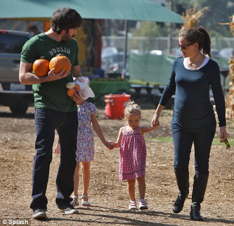 Pumpkin-a-picking: Jennifer and Ben also took their daughters to pick out a pumpkin together