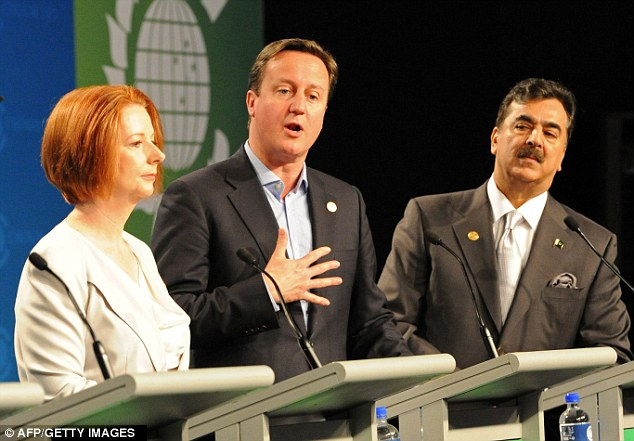David Cameron with Australian Prime Minister Julia Gillard (left) and Pakistani Prime Minister Yousaf Raza Gilani (right) at the Commonwealth Heads of Government Meeting