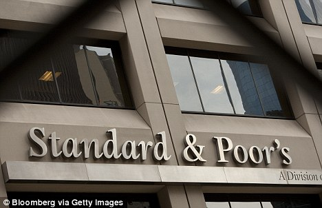 Financial firm Standard & Poor's has said the 'super committee's failure to tackle the nation's debts won't affect the nation's credit rating