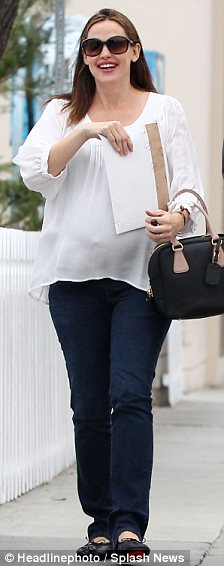 Mums-to-be: Jennifer Garner and Jessica Simpson look comfortable with their growing bellies