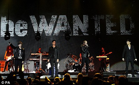 Warzone: The female fans went crazy for the boy band