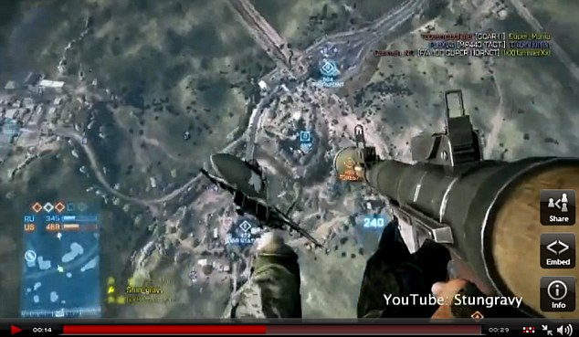 Daring stunt: The player ejects himself from the cockpit and takes aim